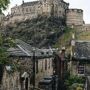 castle-on-a-hill-in-Edinburgh-scotland.jpg