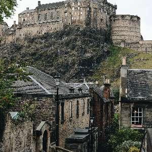 castle-on-a-hill-in-Edinburgh-scotland.jpg